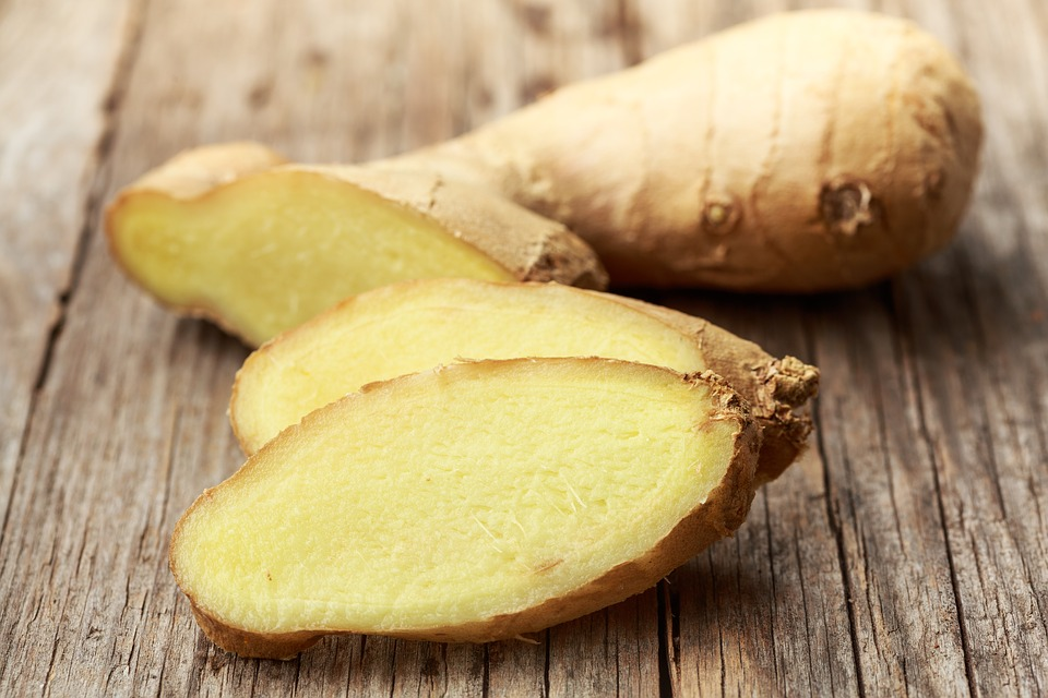 Can Ginger Help Curb Bloating? Here's The Answer