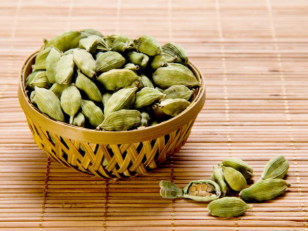 Elaichi (Cardamom) For Dry Cough, Sore Throat & Congestion; Tips and Recipes