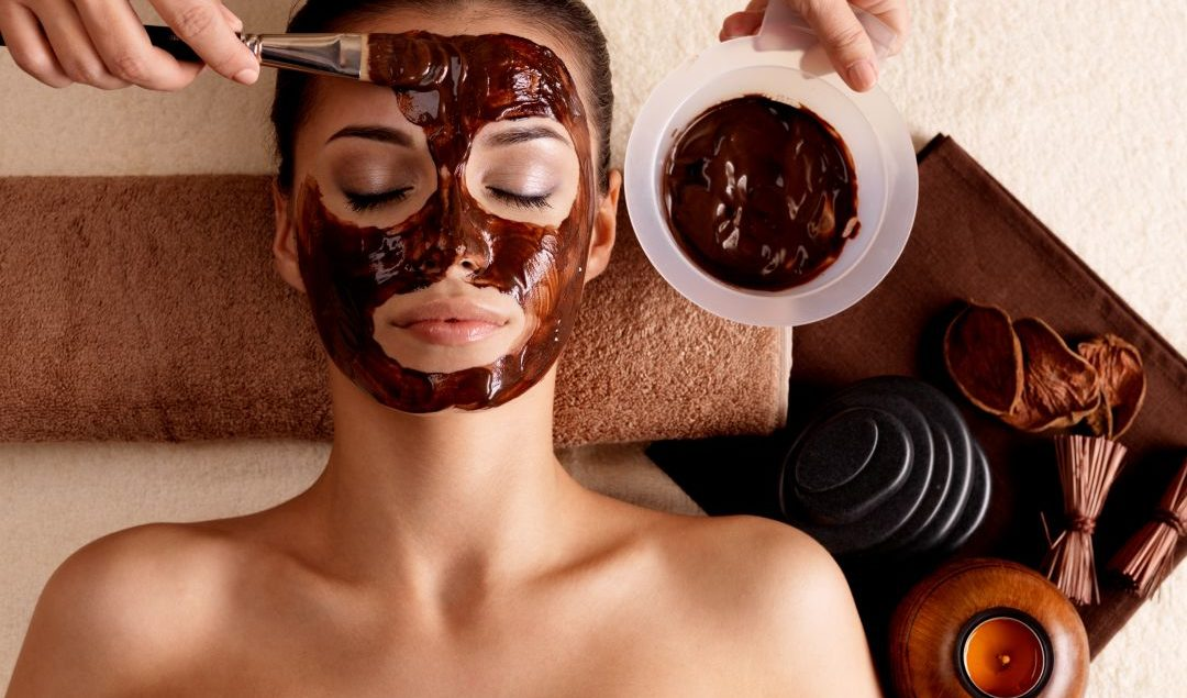 त्वचेचं सौंदर्य खुलवण्यासाठी डार्क चॉकलेट फायदेशीर