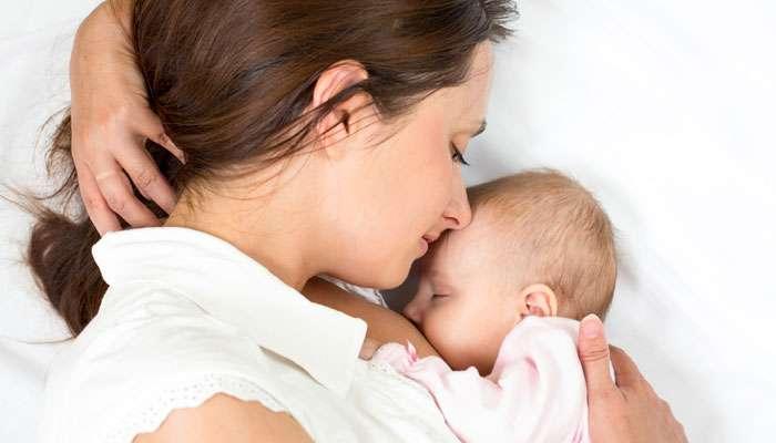 स्तनपान देणार्या महिलांचं दूध वाढवायला मदत करणारी '4' हेल्थ ड्रिंक्स
