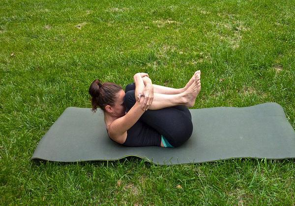Yoga for Gas: How to do Pawanmuktasana, Steps and Benefits