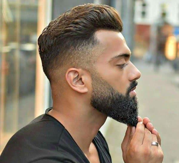 रूबाबदार दाढी वाढवण्यासाठी घरगुती उपाय
