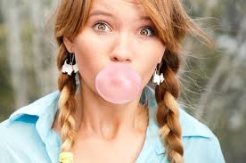 Love Chewing Gum? 7 Reasons Why You Must Not!