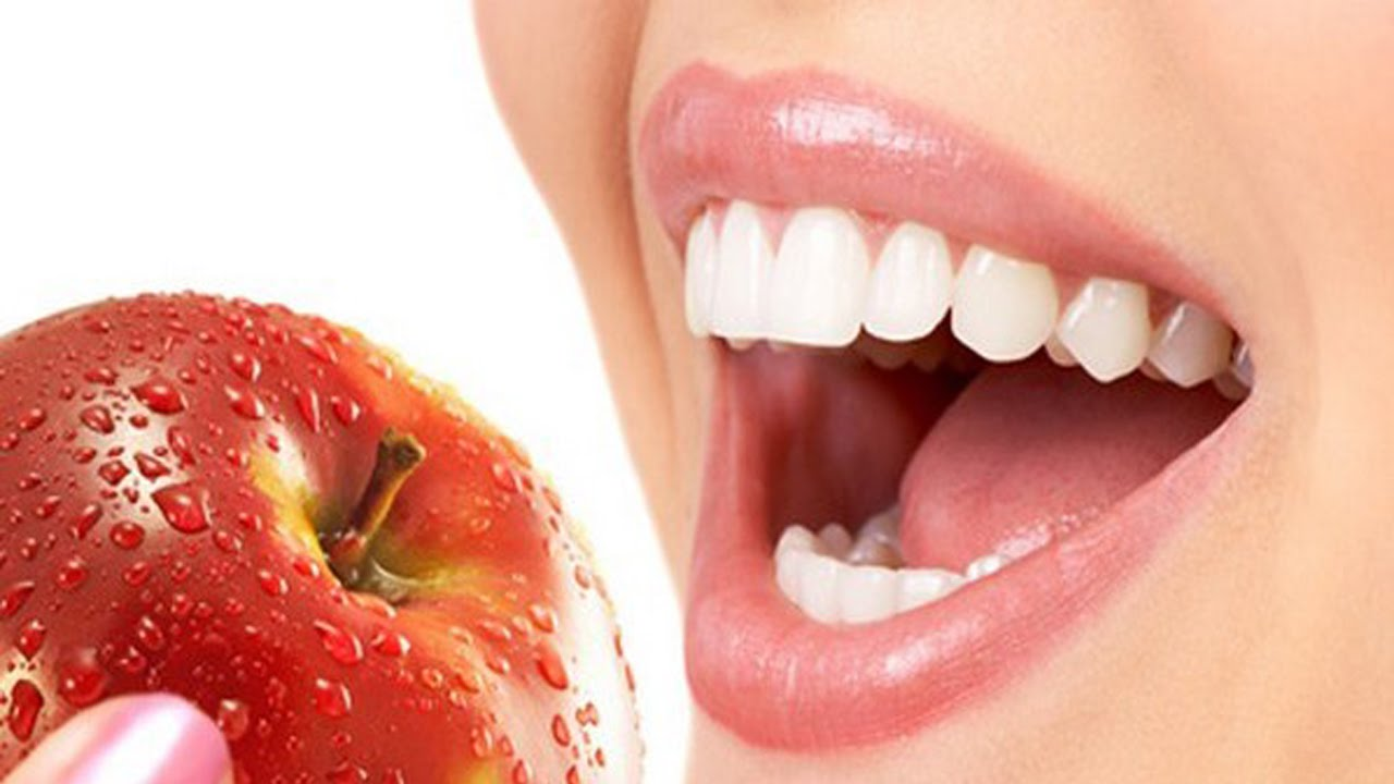 Home Remedies For Bleeding Gums; Natural Ways To Keep Your Gums Healthy
