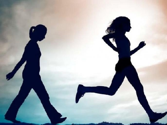 वॉकिंग की रनिंग: वजन कमी करण्यासाठी कोणती एक्सरसाइज चांगली?