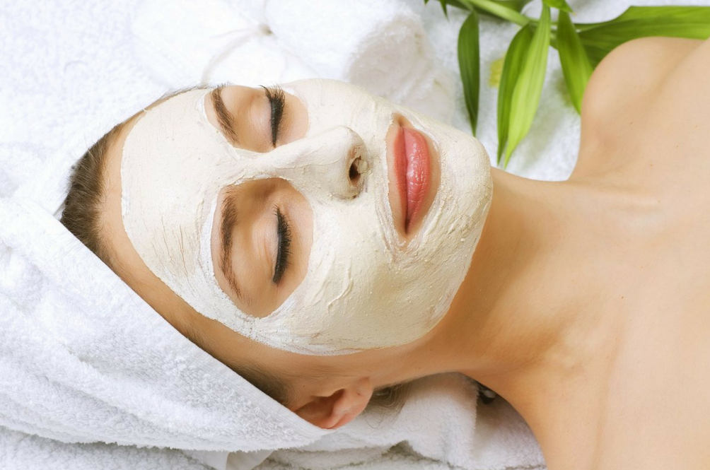 This Two-Ingredient Face Mask Will Help You Get Soft And Supple Skin