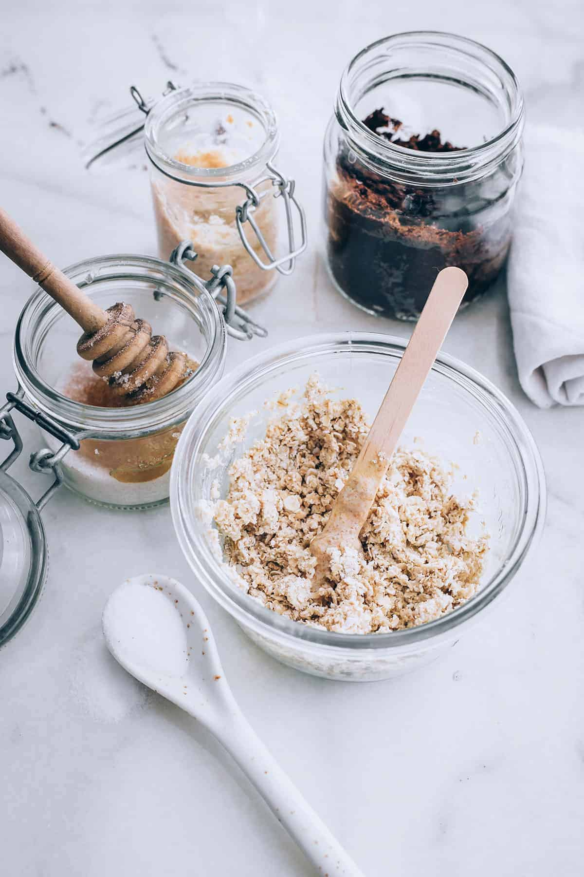 Make Homemade Scrubs With Sugar For Ultimate Skin Exfoliation