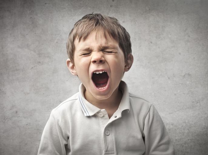 लहान मुलांमध्ये राग आणि चिडचिडपणा वाढण्याचं 'हे' असू शकतं कारण, जाणून घ्या उपाय!