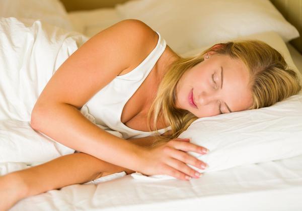 शांत झोपेसाठी या ५ गोष्टींकडे विशेष लक्ष द्या!