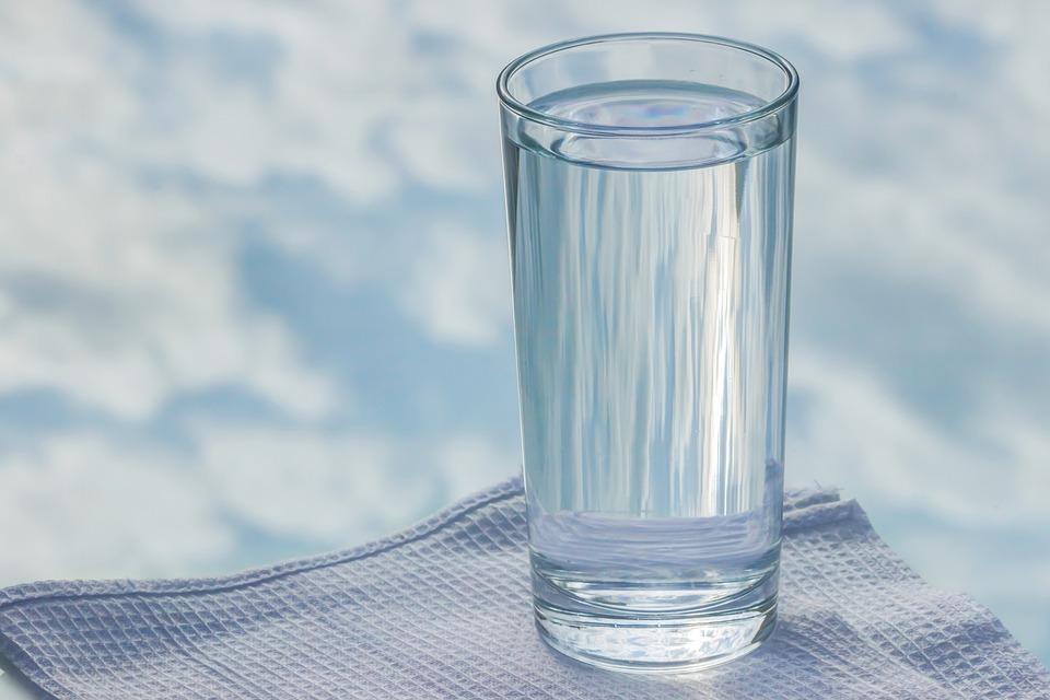 गरम पाणी पिल्याने वजन घटण्यास मदत