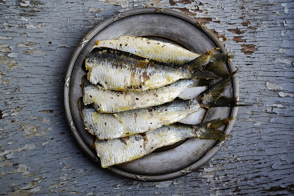 Eat fatty fish to cut your heart disease risk