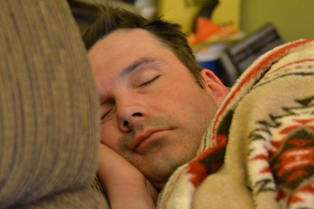 झोपताना करा हे उपाय, वजन कमी होण्यास मदत मिळेल