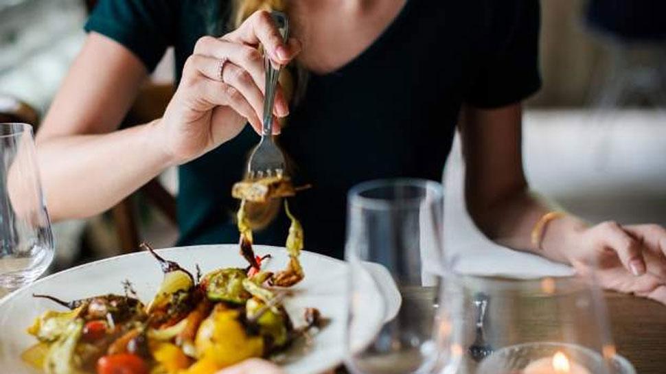 शारीरिक सुदृढतेसाठी जेवण कमी करताय? तर हा उपाय करा