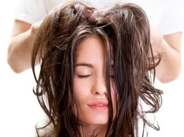 केस गळण्याची समस्या आहे तर या ५ गोष्टी ठरतील फायदेशीर