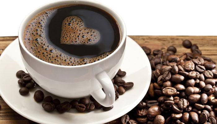 तजेलदार चेहऱ्यासाठी कॉफी रामबाण उपाय