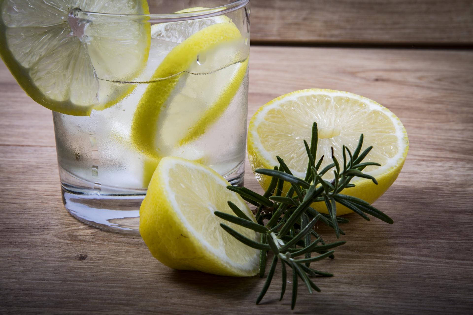 हे आहेत उन्हाळ्यात लिंबूपाणी पिण्याचे फायदे