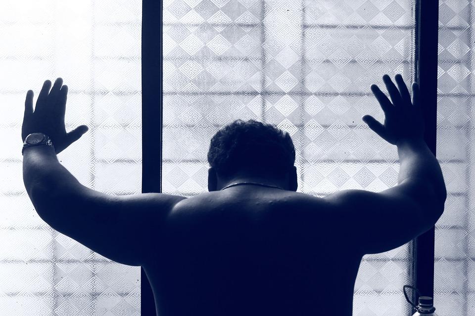नैराश्य म्हणजे नेमकं काय? आणि तणावाचं व्यवस्थापन कसं कराल?
