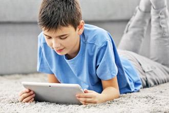 लहान मुलांमधील इंटरनेटचं व्यसन दूर करणार 'हा' उपाय