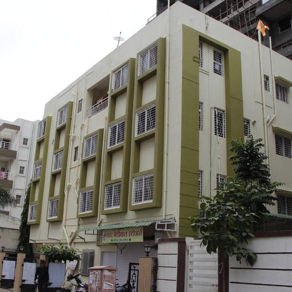 Varad Hospital & Critical Care
